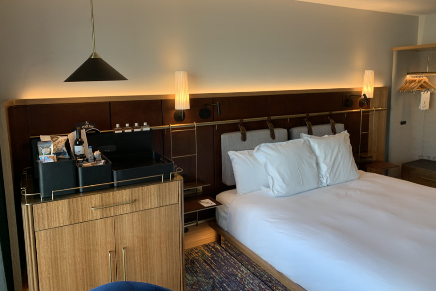 Pier One Hotel Guestrooms Refurbishment (2)